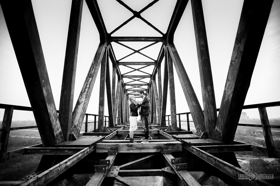 003-Trash-the-dress-Comana-Alexandra-Paul-fotograf-Ciprian-Dumitrescu