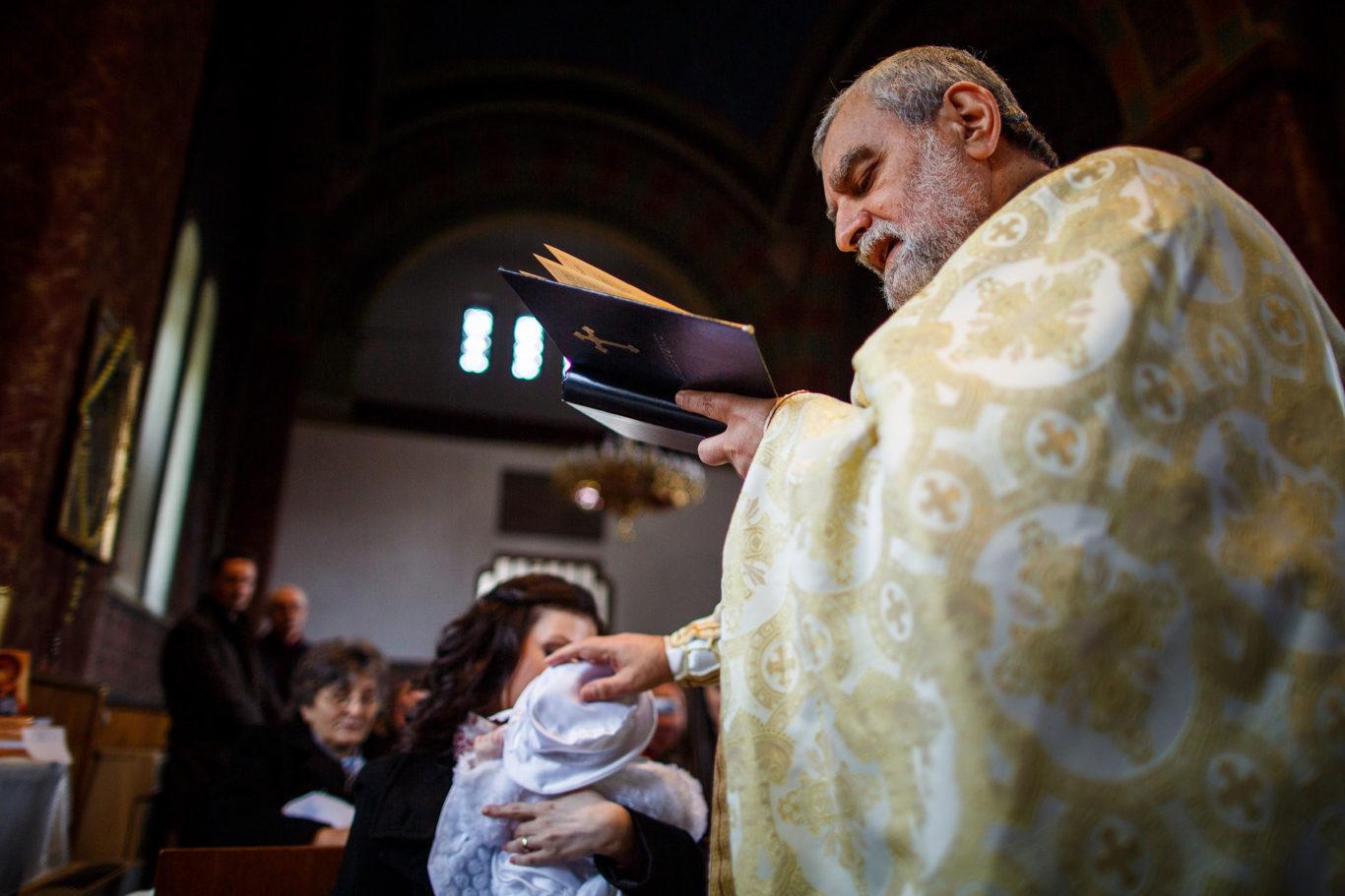 0033-Fotografii-botez-gemeni-Corina-Victor-fotograf-Ciprian-Dumitrescu-DCF_9441