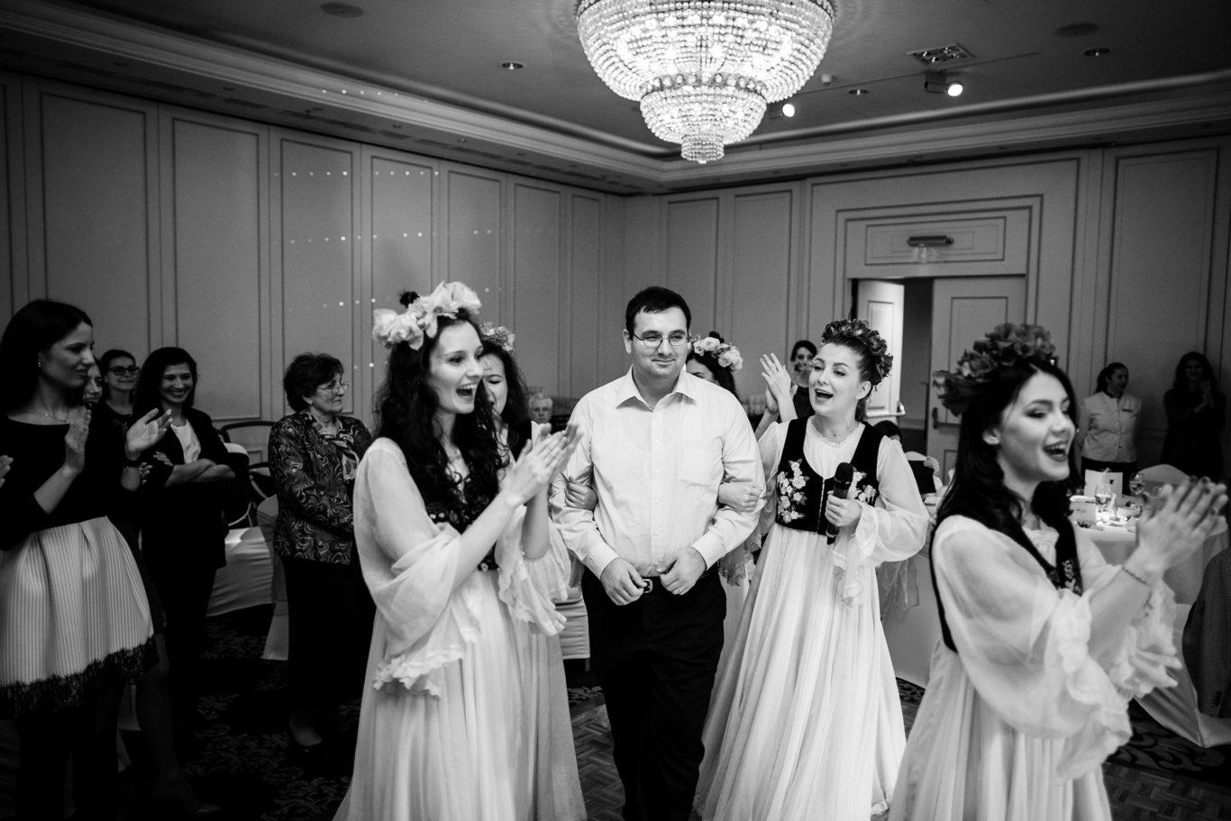 0328-Fotografii-botez-gemeni-Corina-Victor-fotograf-Ciprian-Dumitrescu-DCF_9708