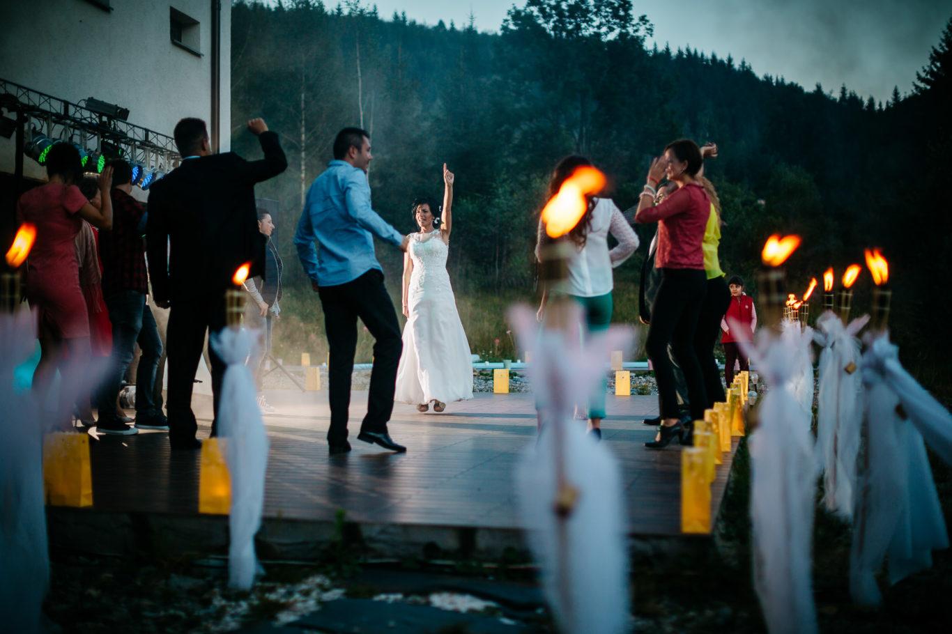 0534-fotografie-nunta-valea-de-pesti-vero-dani-fotograf-ciprian-dumitrescu-dc1_1393