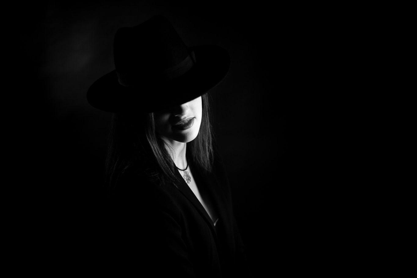 Portrete alb-negru - Teodora