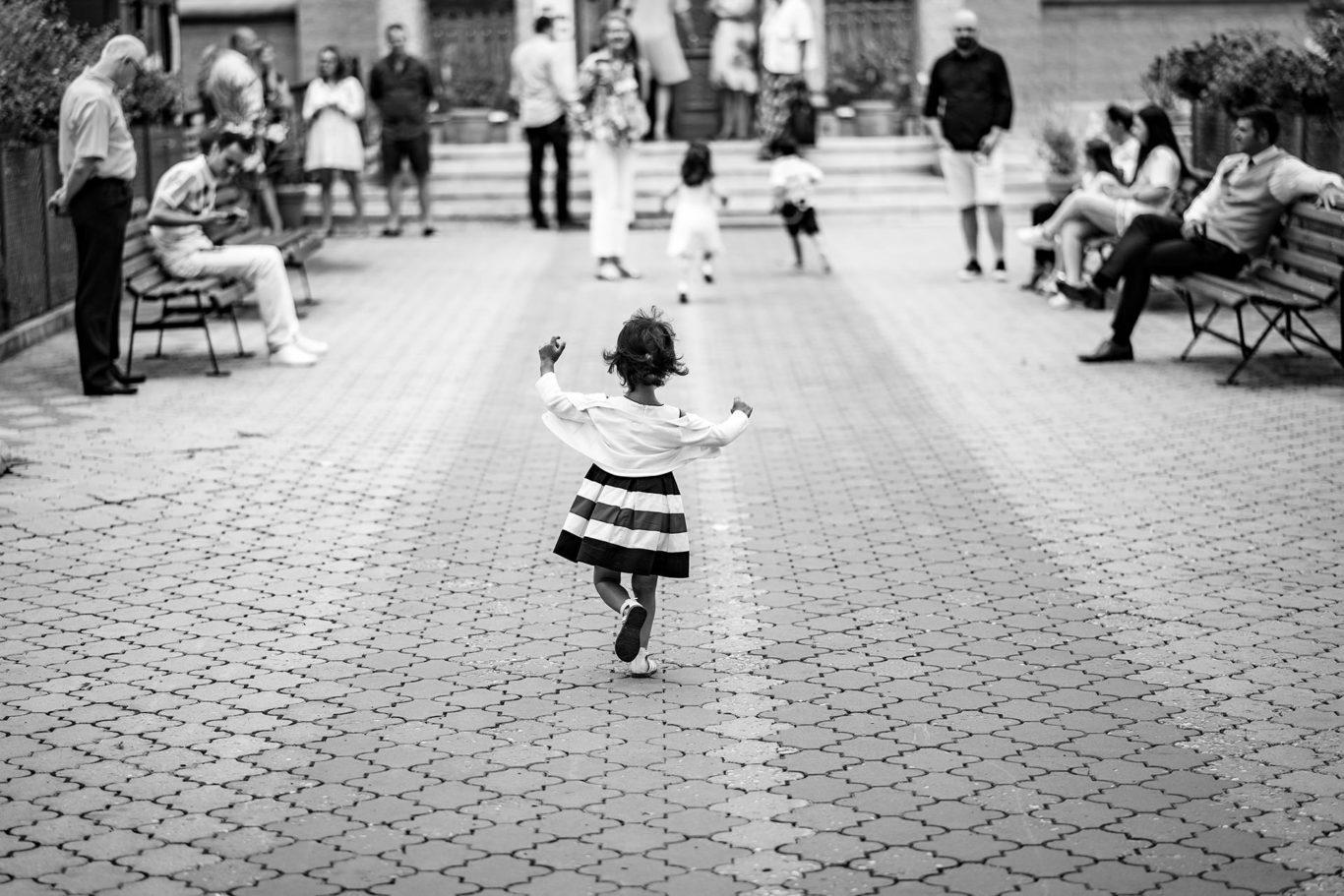 Distracite la botez - fotograf copii Ciprian Dumitrescu