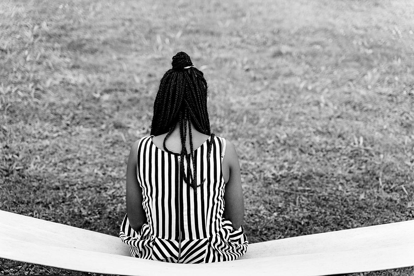 Linii in alb negru