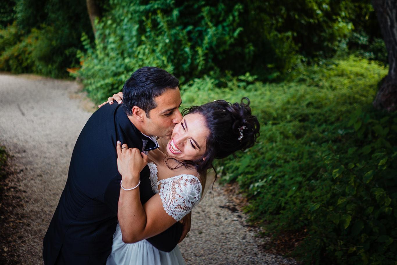Dragoste cu gura pana la urechi - fotograf nunta Munchen