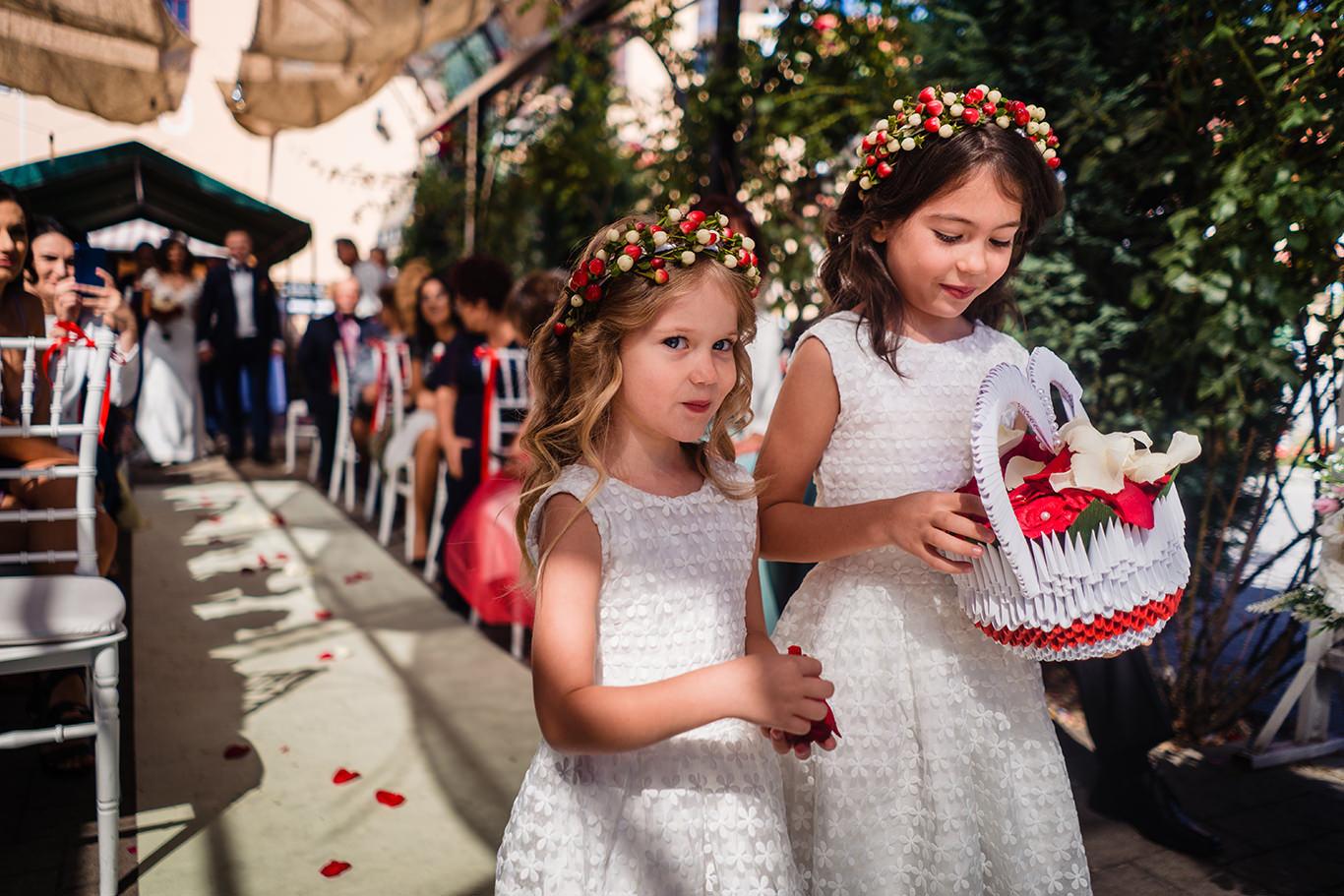 Fetite cu flori la nunta - - La Belle Epoque