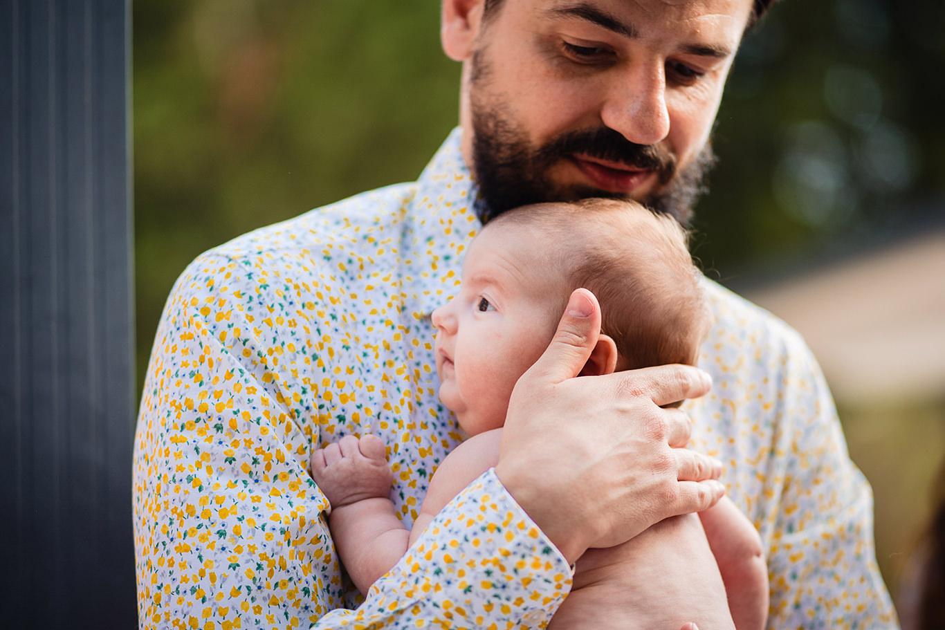 Micuta Karina si tatal ei