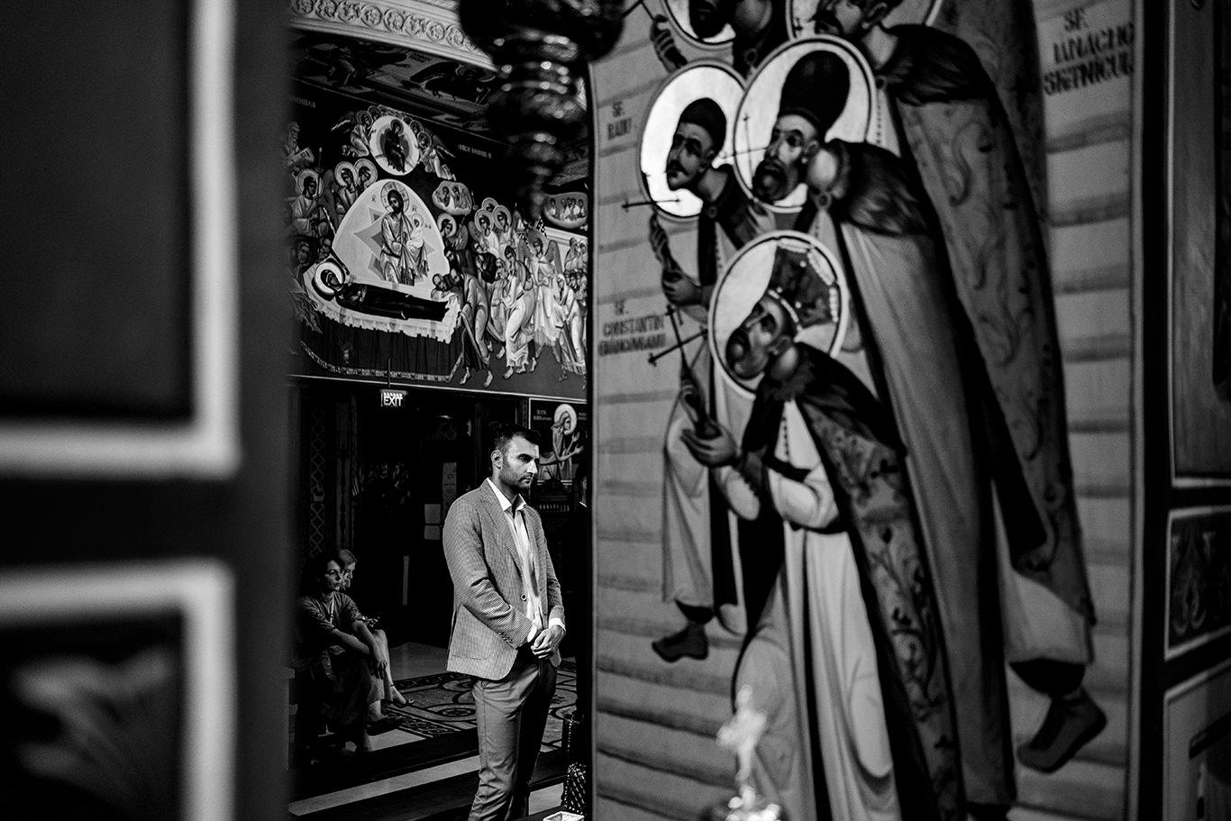 Invitat nunta la biserica - fotograf Ciprian Dumitrescu