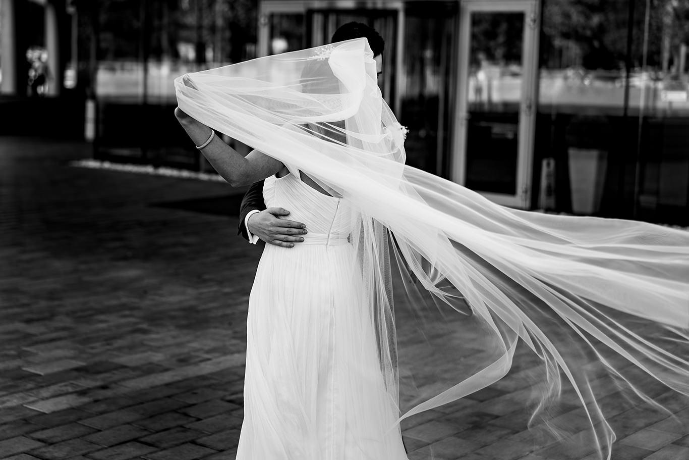 Voal de mireasa - fotograf Ciprian Dumitrescu