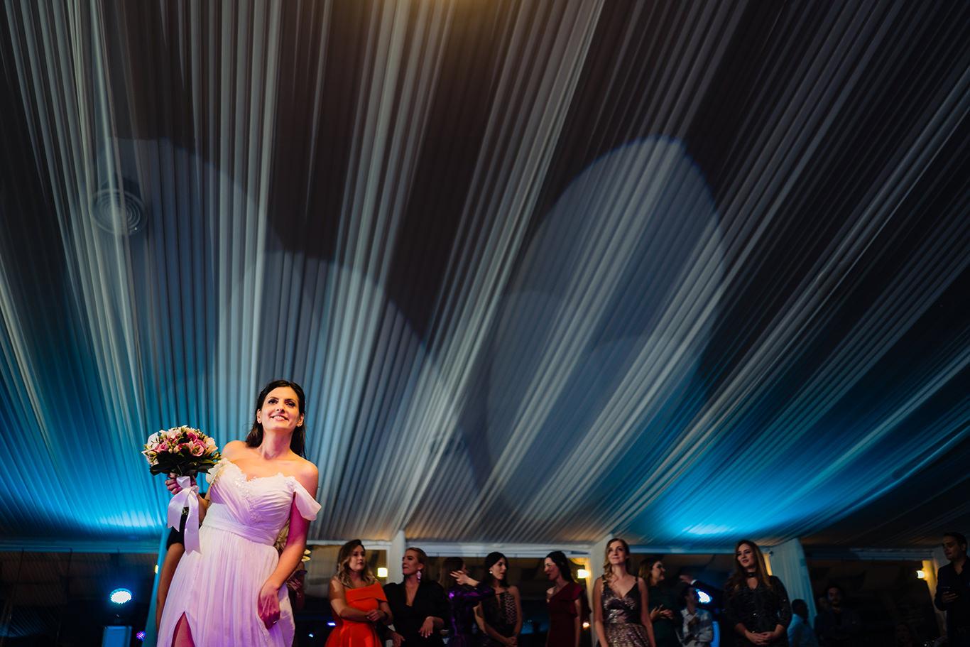 Se arunca buchetul la Vivolis Events - fotograf Ciprian Dumitrescu