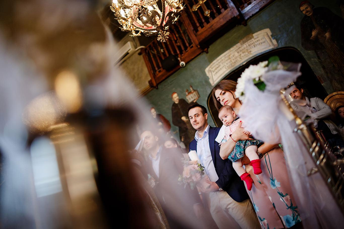 Ruxi si nasii la botez la biserica Gradina Icoanei