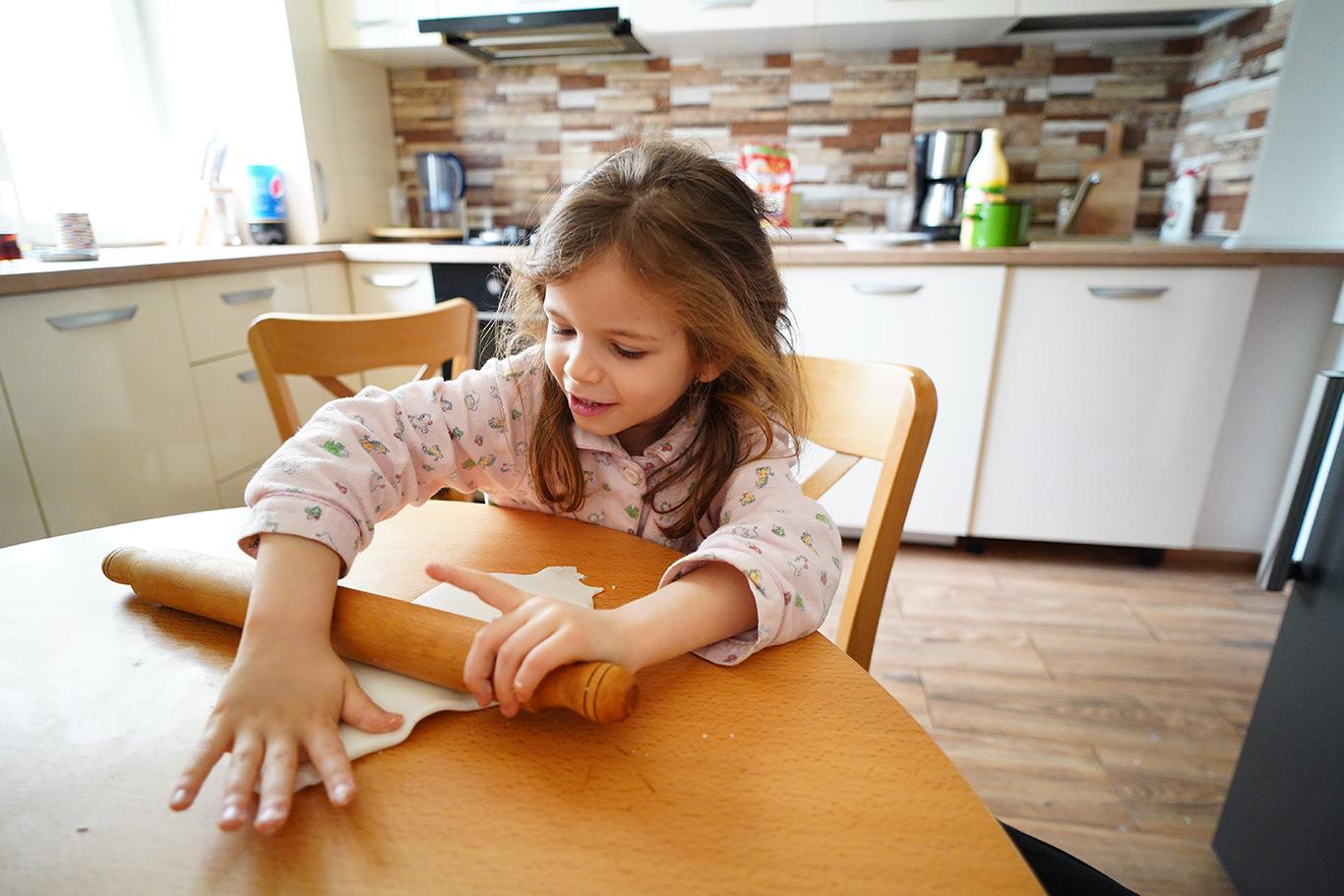 Ajutorul copiilor in bucatarie - jurnal de familie