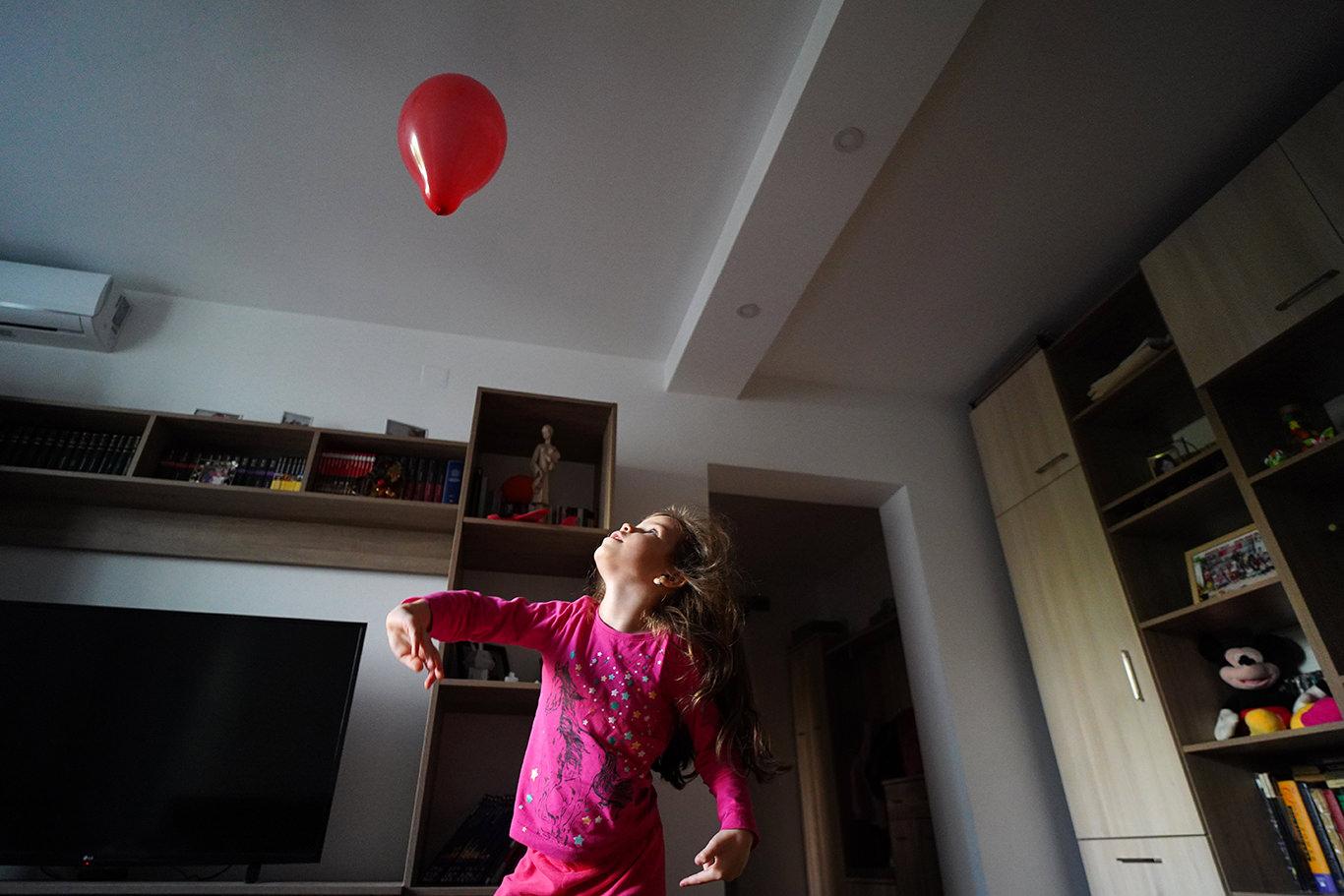Zboara balon rosu - jurnal de familie
